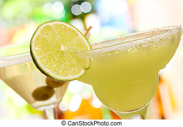 margarita cocktail - alcohol margarita cocktail with lime