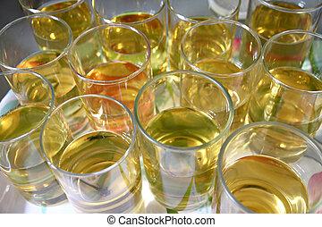 alcool, vetro., molti