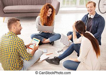 alegre, cuatro, estudiantes, compiling, datos