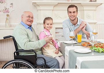 alegre, el suyo, viejo, familia , aduelo, incapacitado