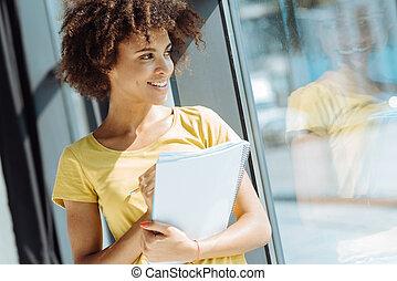 alegre, femininas, americano afro, estudante, fazer anota
