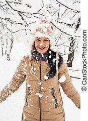 alegre, lançar, neve, mulher, flocos