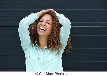 alegre, mulher jovem, rir, com, feliz, expressão