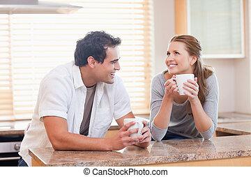 alegre, pareja, café, juntos, teniendo