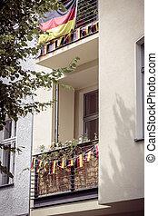 alemão, berlim, bandeira alemanha, sacada