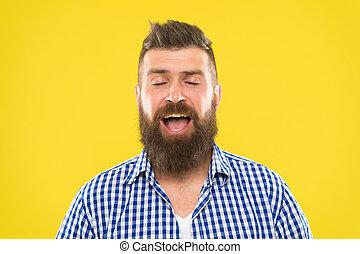 alergia, brodaty, żółty, zamknięcie, sneeze., concept., kichanie, tło., chodzenie, hipster, wziąć, zamknięte wejrzenie, zatrzymywać, sneezing., nie, medications., człowiek, do góry, brutalny, twarz, może
