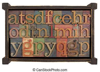 alfabet, w, rusti, drewniany boks