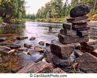 algonquin, rocas, apilado, río, parque