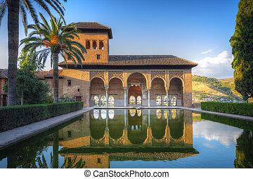 alhambra, pátio, com, piscina, granada, espanha