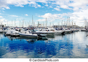 Boats and yachts in Alicante marina