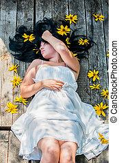 Alice in Wonderland. Dream, flowers, princess