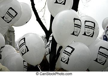 Alien baloons