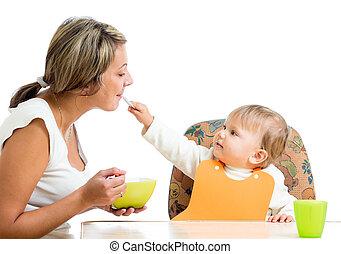 alimentation, elle, isolé, espiègle, cuillère, maman, enfant, girl, blanc, aimer