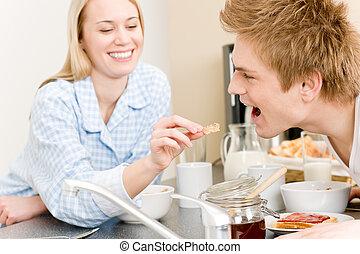 alimentation, femme, couple, céréale, petit déjeuner, homme, heureux