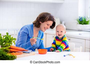 alimentation, nourriture solide, mère, bébé, premier