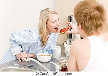 alimentation, toast, femme, couple, petit déjeuner, homme, heureux