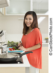alimento, mulher, asiático, preparar, cozinha