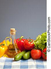 alimento sano, verduras frescas, naturaleza muerta, en, azul, comprobado, mantel