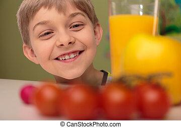alimento saudável, sorrindo, criança