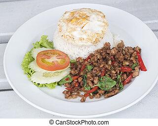 alimento tailandés, cerdo, con, albahaca