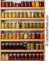 alimentos em conserva, prateleiras