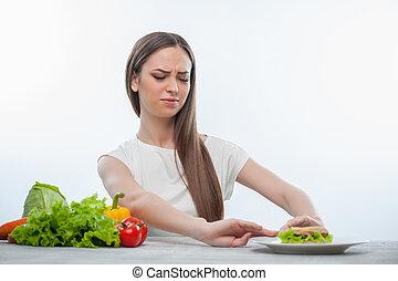 allegro, giovane ragazza, è, scegliere, fra, sano, e, dannoso, cibo
