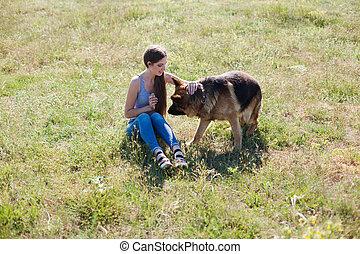 allemand, chien, berger, femme, promenade