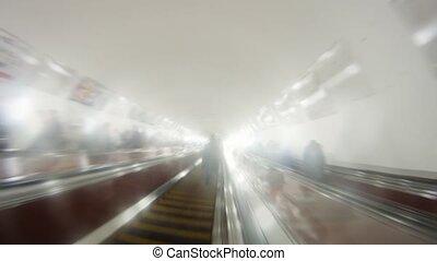 aller, haut, escalator, métro, gens