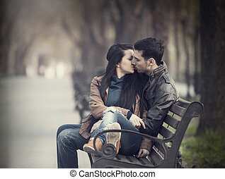 alley., baciare coppie, panca