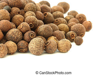 Allspice - pimento - on white background - Scattered...