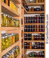 almacenamiento, shelfs, con, alimento conservado