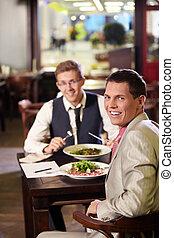 almoço negócio