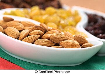 Almonds, Sultanas and Raisins - Almonds, sultanas and ...