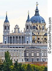 almudena, catedral, madrid, españa