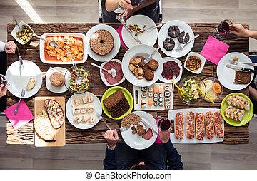 almuerzo, amigos, teniendo, juntos