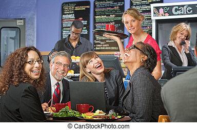 almuerzo, reír, compañeros de trabajo