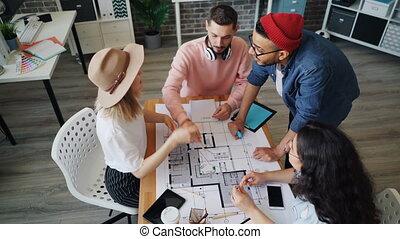 alors, angle, réussi, projet, élevé, experts, mains, vue, discuter, joindre