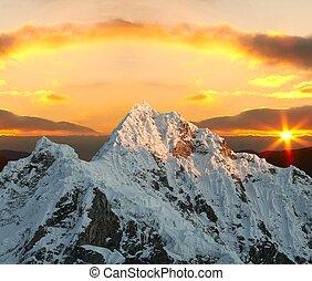 alpamayo, coucher soleil, pic