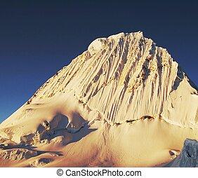 Alpamayo peak - Beautiful mountain Alpamayo
