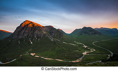 Alpenglow on Buachaille Etive Mor - An alpenglow on the...