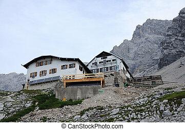 Alpine hut Knorrh�tte, Wetterstein Mountains, Germany