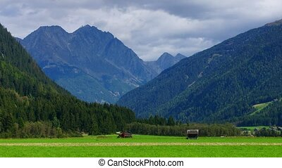 Alpine landscape #2 - Panoramic time-lapse of Tirol, zooming...