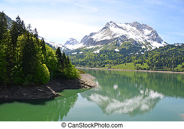 alpiner see, schweiz