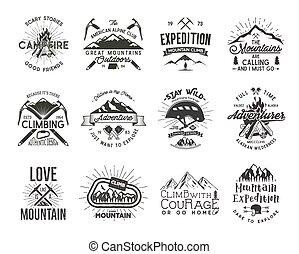 alpinism, set, vecchio, letterpress, effect., alpinismo, casco, design., stile, camicia, vendemmia, -, retro, logotipo, pieno, ingranaggio, carabiner, campfire., rampicante, badges., illustration., vettore, t, emblems., arrampicarsi