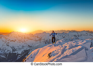alpinista, casi, en la cima