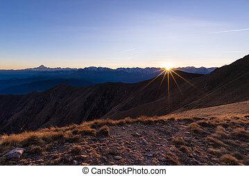 alpok, hegylánc, rövid napsütés, napnyugta, backlight, olasz
