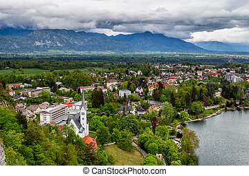 alpok, város, antenna, hegyek, slovenia., vérző, háttér, kilátás