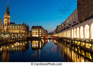 The Alsterfleet and the townhall in Hamburg at night