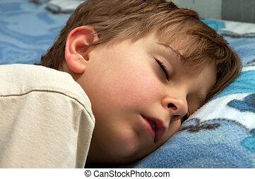 alszik gyermekek