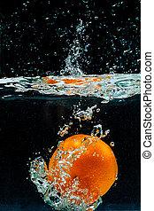 alta velocidade, fotografia, de, laranja, com, respingo, em, água